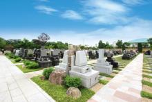 美しく広々とした様々な墓域